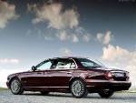 Автомобиль Jaguar XJR Daimler Super Eight