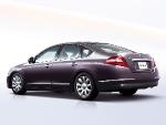 Nissan Teana - бизнес-седан с мощным двигателем